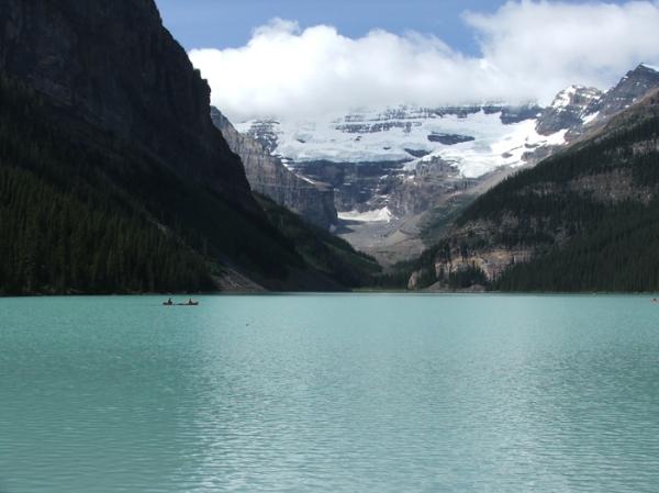 Lake Louise, Alberta (© 2008 clasticdetritus.com)